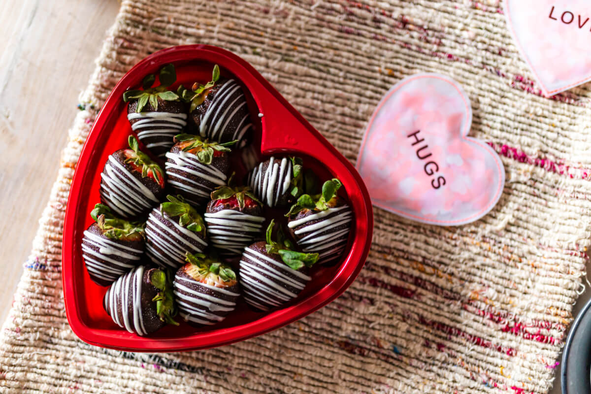 Bristol Farms' chocolate dipped strawberries
